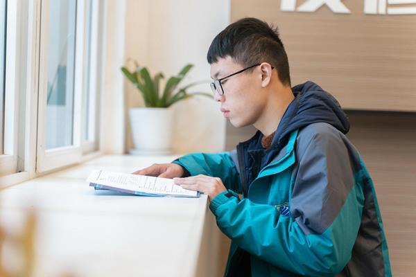 新媒体UI设计专业  来自重庆