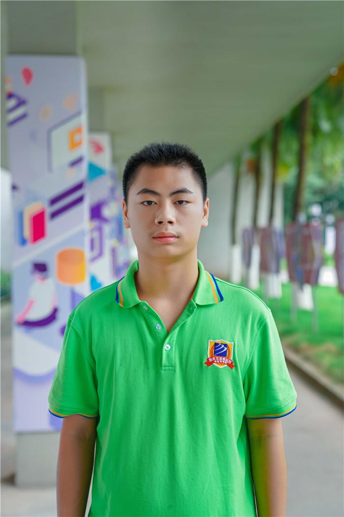 【新生故事】孔凡林:我在新华 追求职业电竞路