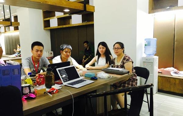 重庆新华电脑学校毕业生