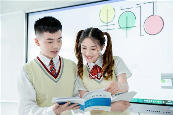 2019年女生初中毕业学什么技术好?重庆新华电脑学校职业规划师