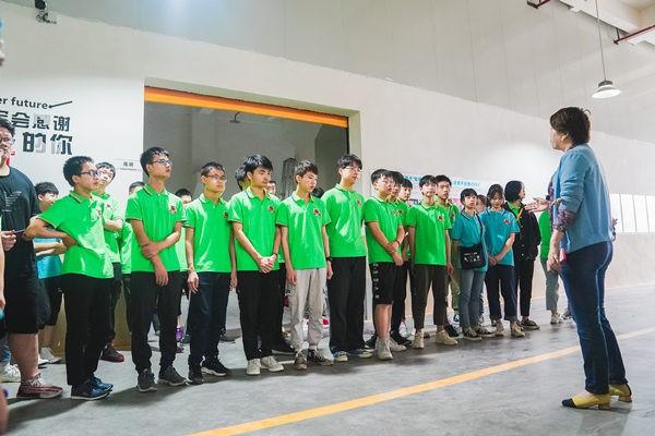 新生青训营赴企业参观游学
