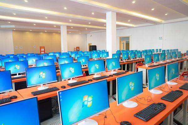 重庆新华作为专注互联网教育的品牌院校