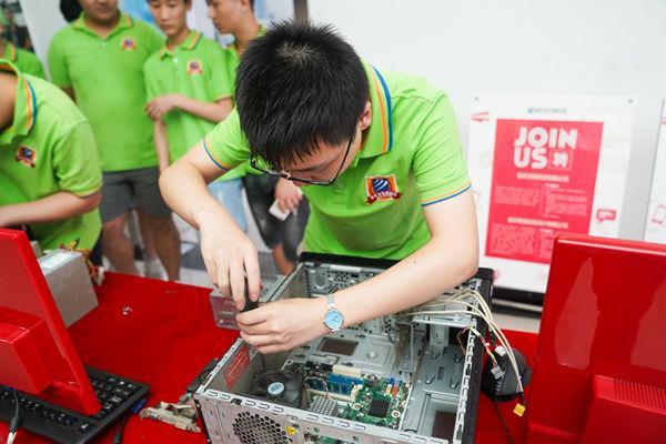 重庆新华电脑学校组装电脑