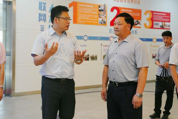 重庆市北碚区退役军人事务局黎局长一行莅临我校调研