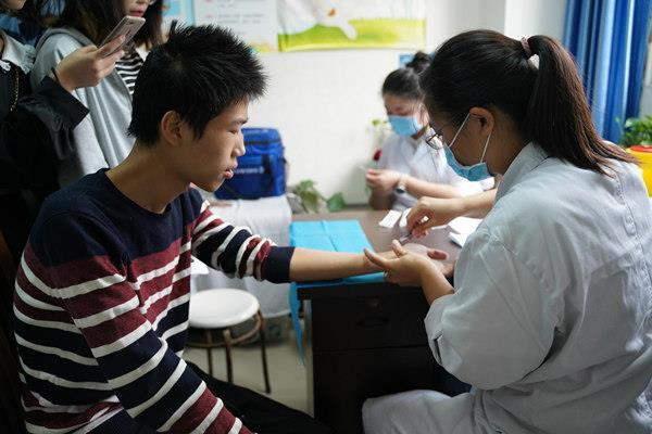 为加强学校结核病防控工作