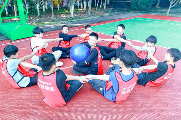 新华暖心教育,缘何成为家长们放心的学校?