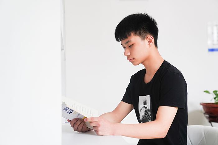 【新生故事】陈鹏:在新华找到自己的方向