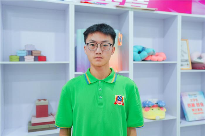 【新生故事】唐梦然:新华让我有无限可能